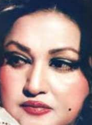Noor Jehan songs, songs list, madam, movies, daughters, singer, children, malika e taranum, singer, songs download, ab kaun hai mera, mughal, ghazals, aawaz de kahan hai, aaja tujhe afsana