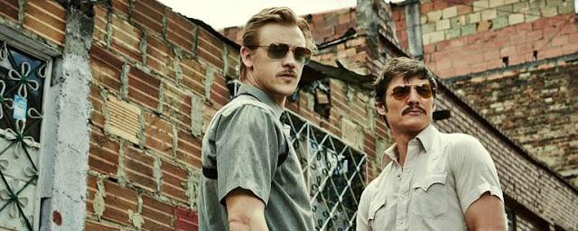 Steven Murphy y Javier Peña, los dos agentes de la DEA que ayudaron a capturar a Pablo Escobar, interpretados por Boyd Holbrook y Pedro Pascal respectivamente