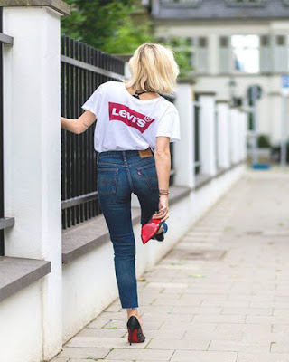 outfit casual con playera levis