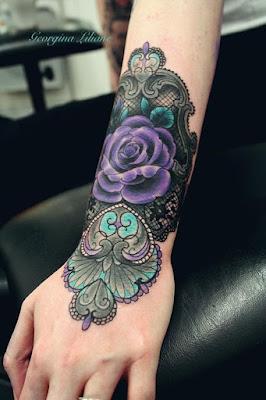 tato bunga mawar etnik