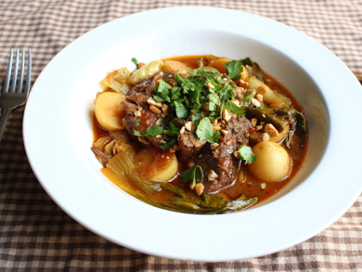 Slow Cooker Red Curry Beef Pot Roast – With Video