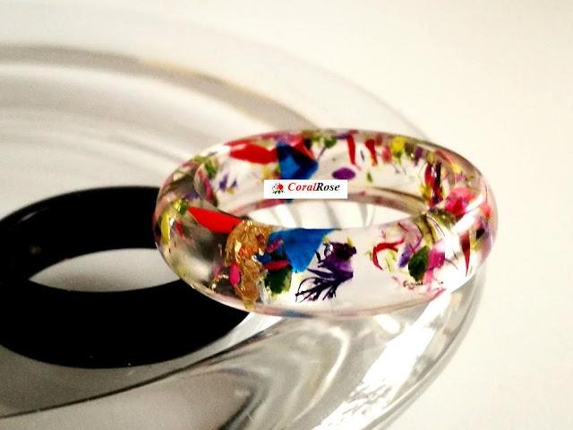 pierścionek kwiat w żywicy