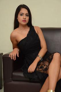 Malvi Malhotra sizzling pics 007.jpg