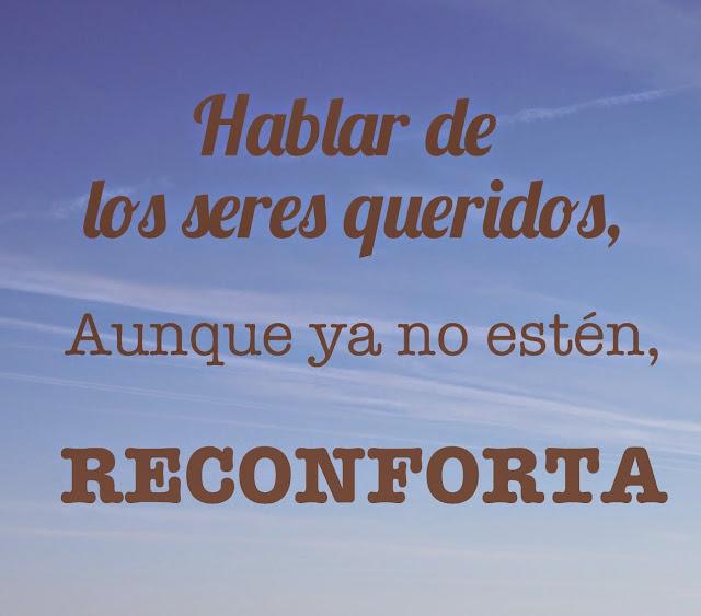 """Imagen de un cielo azul con la frase rotulada """"Hablar de los seres queridos, aunque ya no estén, reconforta"""""""