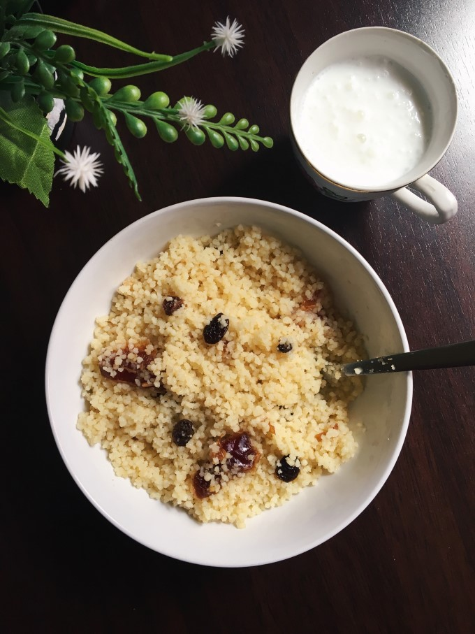 Mesfouf | Steamed Sweet Couscous