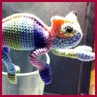 Camaleón multicolor amigurumi