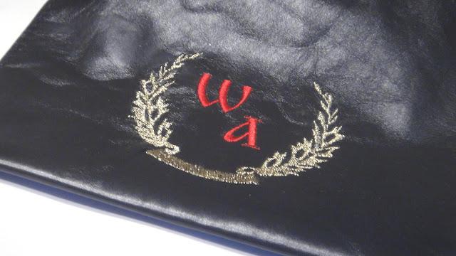 Персональный подарок с инициалами - машинная вышивка, подарок на день рождения