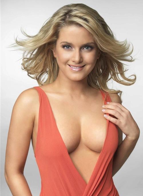 Jeanette Biedermann Bikini Pics  Celebrity Hot Wallpapers -4075