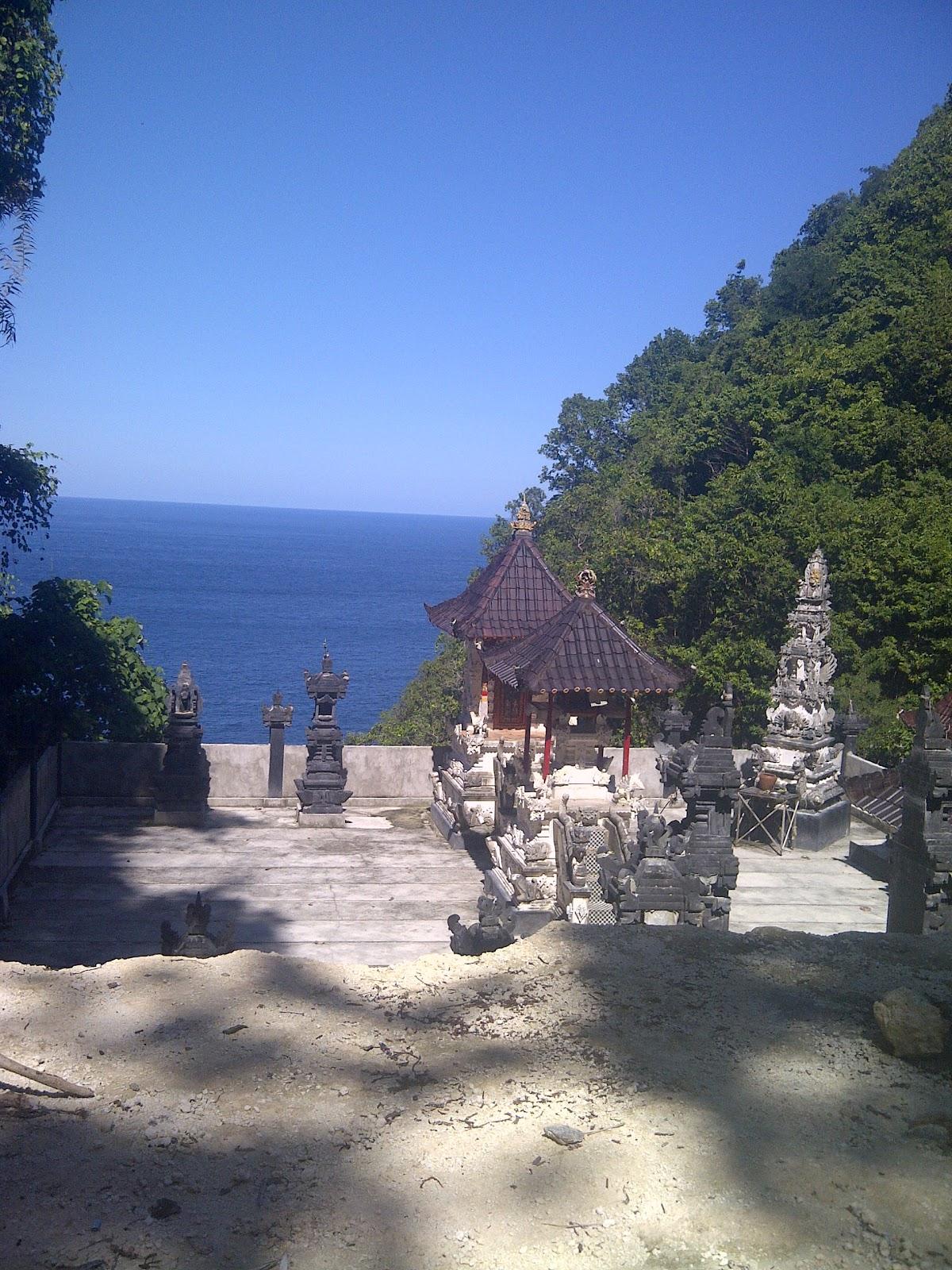 Escape To Nusa Lembongan And Penida Near Bali Wonderful Paket Honeymoon 4 Hari 3 Malam Update 2018 Up In The Mountainous Area Of Hutan Tembeling Village Batumadeg Lies A Long Strip Pristine Forest Meandering Down Towards Sea Where