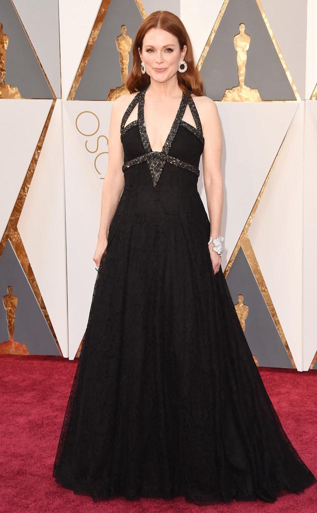 Julieanne-Moore-Oscars-Chanel