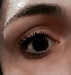 Lucy Anderson mascara para pestañas color marrón maxima extension