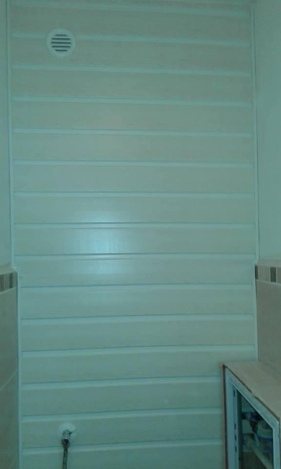 WC hátfal műanyag lambériából Debrecenben és környékén