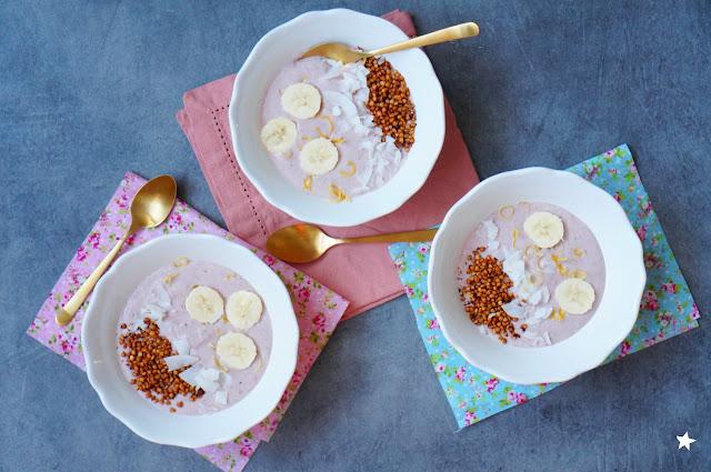 smoothie porridge vegan coco sarrasin banane fraise sans gluten petit-déjeuner healthy