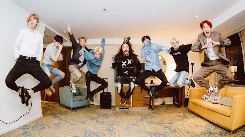 BTS (방탄소년단) 'MIC Drop (Steve Aoki Remix)' Official MV 06
