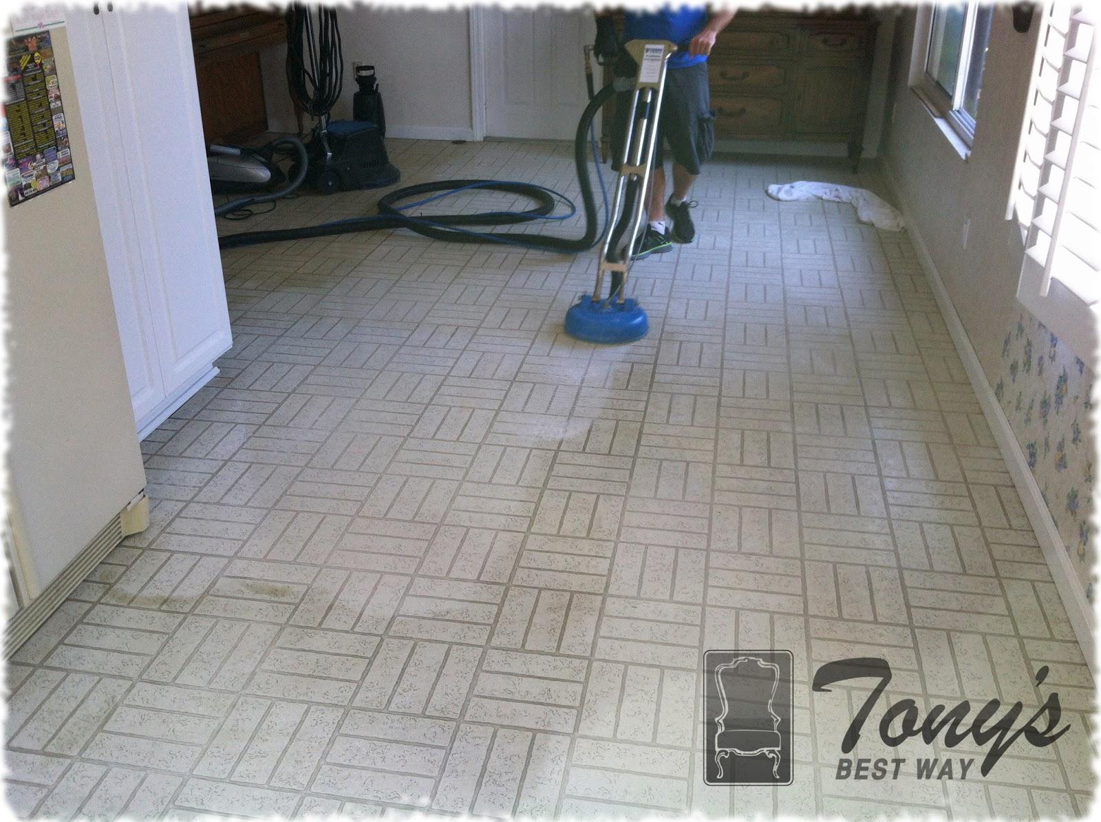 how to strip clean vinyl floors
