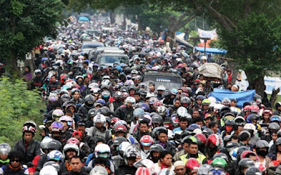 46.290 Kendaraan Roda Dua Melintasi Pantura Cirebon