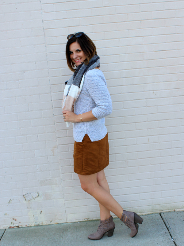 how to wear a blanket scarf, fall fashion, faux suede skirt