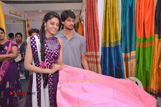 Telugu Actress Veena Inaugurates Silk India Expo  0026.jpg