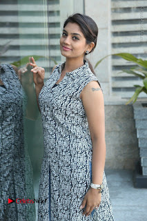 Telugu Television Actress Karuna Latest Pos In Denium Jeans  0070.JPG