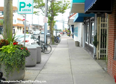 Shopping in Downtown Stone Harbor in New Jersey