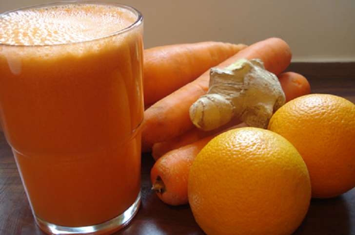 ORANGE, CARROTS AND GINGER JUICE