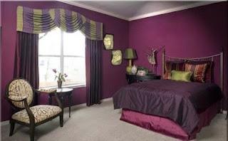 Dormitorio paredes violetas