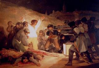 La escena, alumbrada por un farol en el suelo, muestra el momento en que el pelotón francés se dispone a disparar a los detenidos, rodeados de otros muertos.