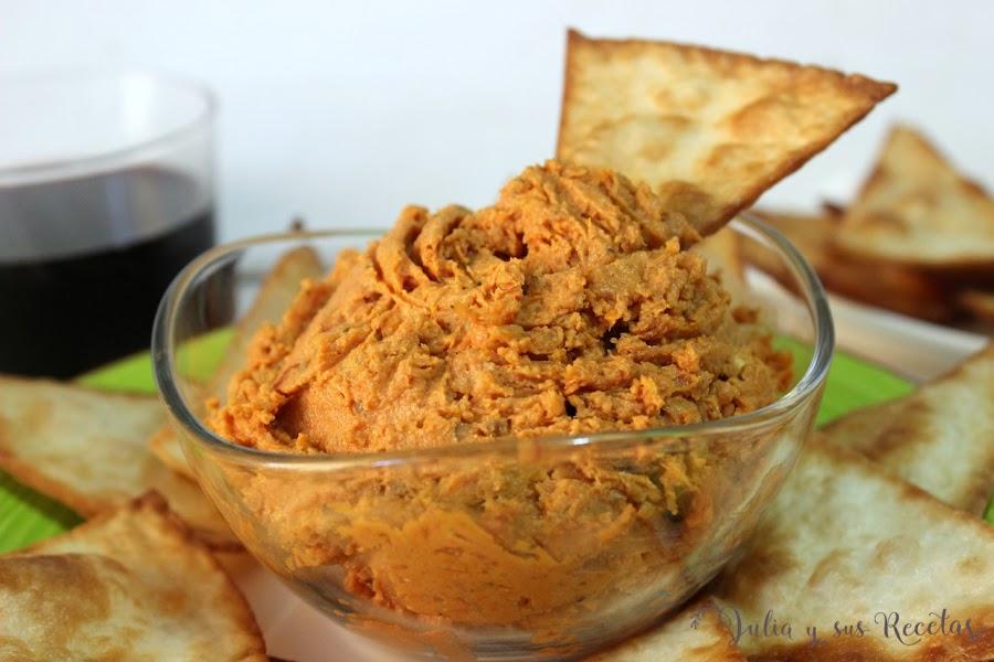 Tapenade de tomates secos con queso de cabra y nachos caseros. Julia y sus recetas