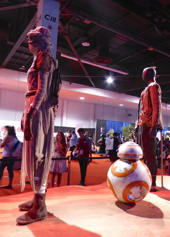 Star Wars Force Awakens movie costumes