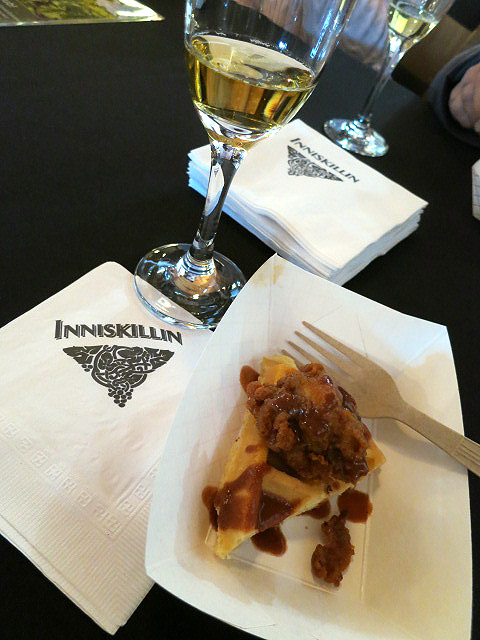 Inniskillin Vidal Sparkling Icewine with Southern Fried Chicken