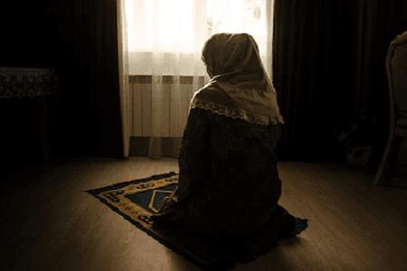 Kumpulan Puisi Islami Romantis Tentang Cinta Dalam Doa | Tema Puisi Doa