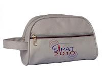 4b3799647 Presenteá-los com uma nécessaire personalizada vai lhes permitir agilidade  e praticidade em suas viagens.
