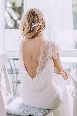 Asymetryczna gałązka ślubna