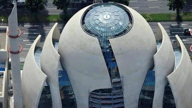 [ VIDEO ] Subhanallah... Peresmian Masjid Unik dengan Arsitektur Modern Berdiri Megah di Tengah Kota Tua Koln Jerman!