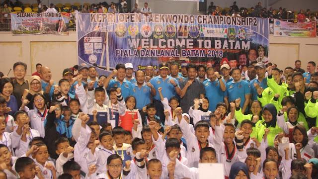 Wagub H Isdianto Harap Ukir Prestasi Nama Harum Taekwondo Kepri