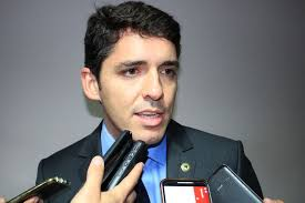 Tovar discute projeto de eficiência energética para órgãos da Prefeitura de Campina Grande