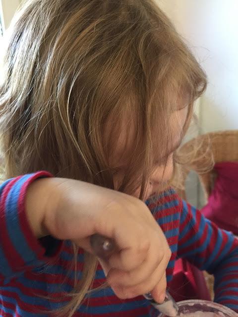 Kugelfisch-Blog: Bjarne mit Yoghurt