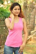 Aarthi glamorous photo gallery-thumbnail-4