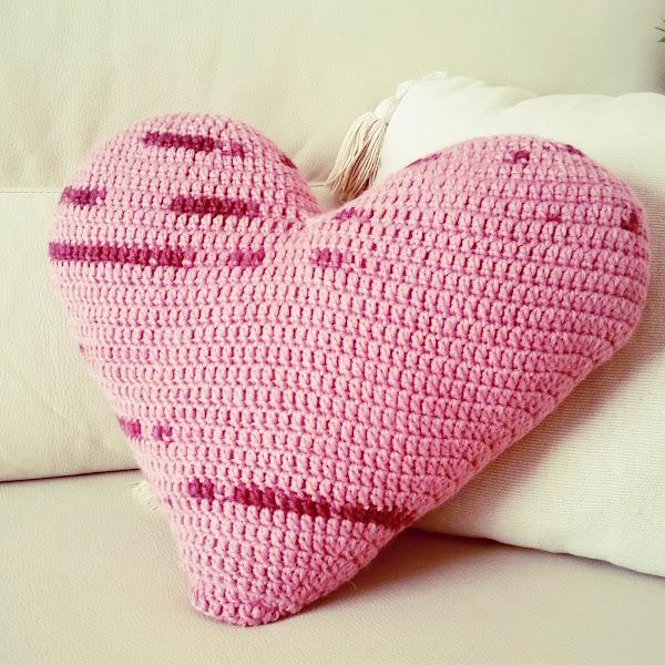 Cojín de Corazón a Crochet