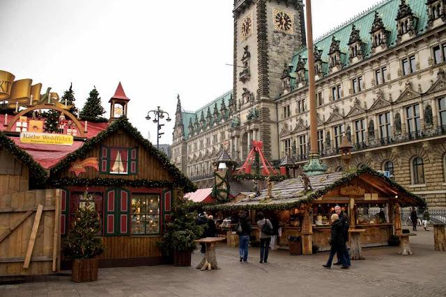 rathats-platz-amburgo-mercatini-di-natale-poracciinviaggio