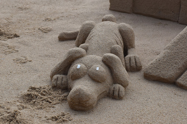 Sand-modelling, greyhound, dog