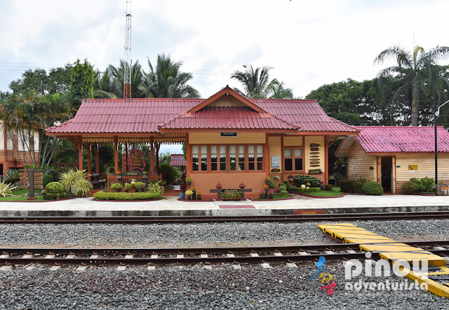 Sightseeing and Northern Thai Home-Cooking at Farmhouse in Lamphun