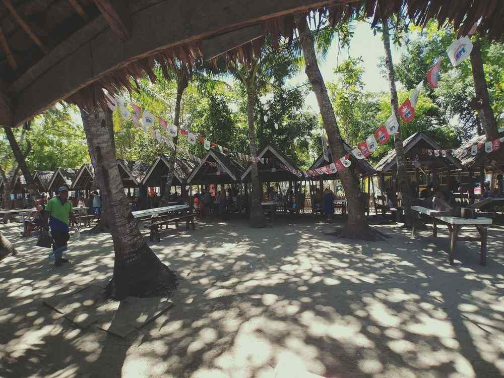 Cottages at Dumaluan Beach Resort