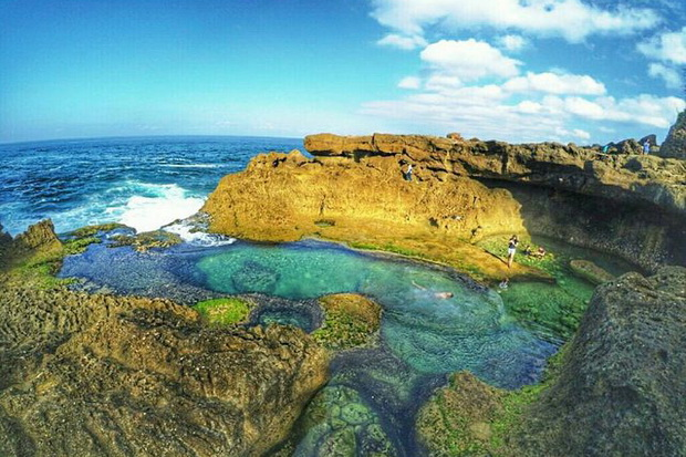Tempat Wisata Pantai Kedung Tumpang di Tulungagung