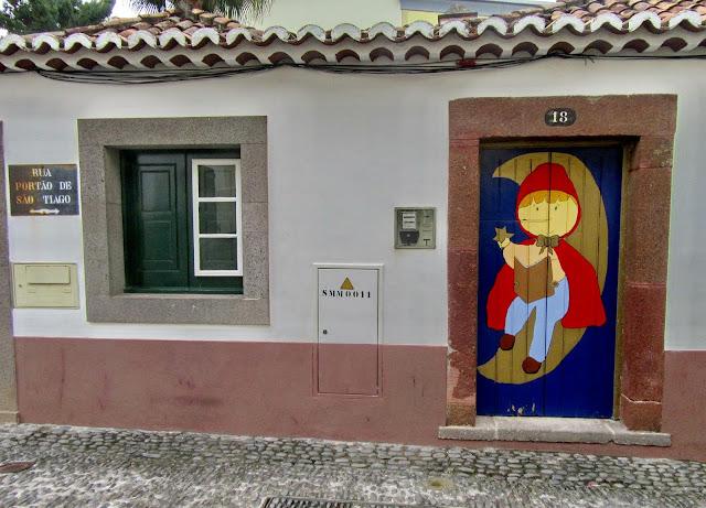 porta pintada na Zona Velha