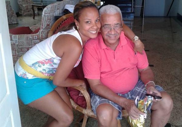 Bárbara e seu pai, o vereador de Salvador Alfredo Mangueira (PMDB) - (Foto: Reprodução Facebook)