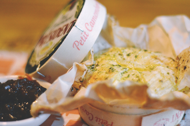 Whole baked Camembert Beefeater