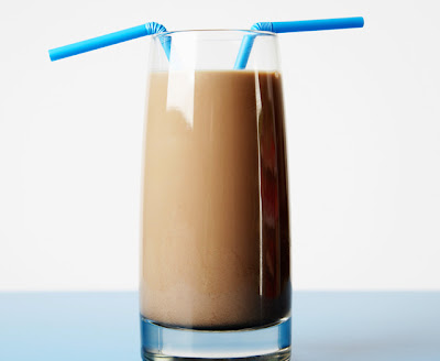 Easy low calorie chocolate milkshake