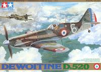 Galerie photos de la maquette du Dewoitine D.520 de Tamiya au 1/48.