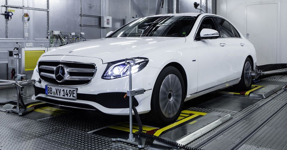 Mercedes unsure if it 39 ll bring diesels back to the u s for Mercedes benz usa dietmar exler
